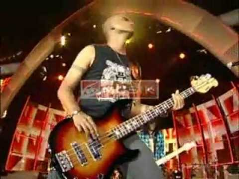 Slank - Mars Slankers, Lo Harus Grak, Maju Tak Gentar & Jurustandur medley (Live)