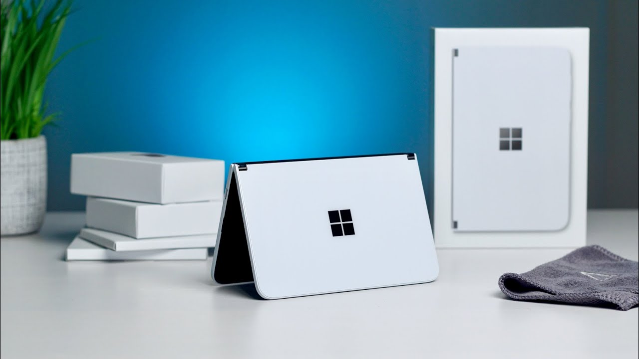 Surface Duo Unboxing & First Impressions
