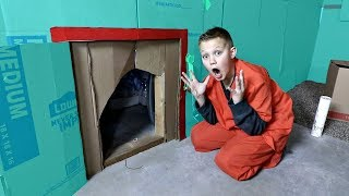 BOX FORT PRISON! | ESCAPE ROOM