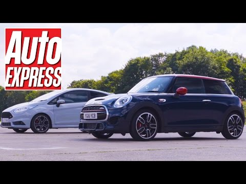 Ford Fiesta ST200 vs MINI John Cooper Works: pocket rocket drag race