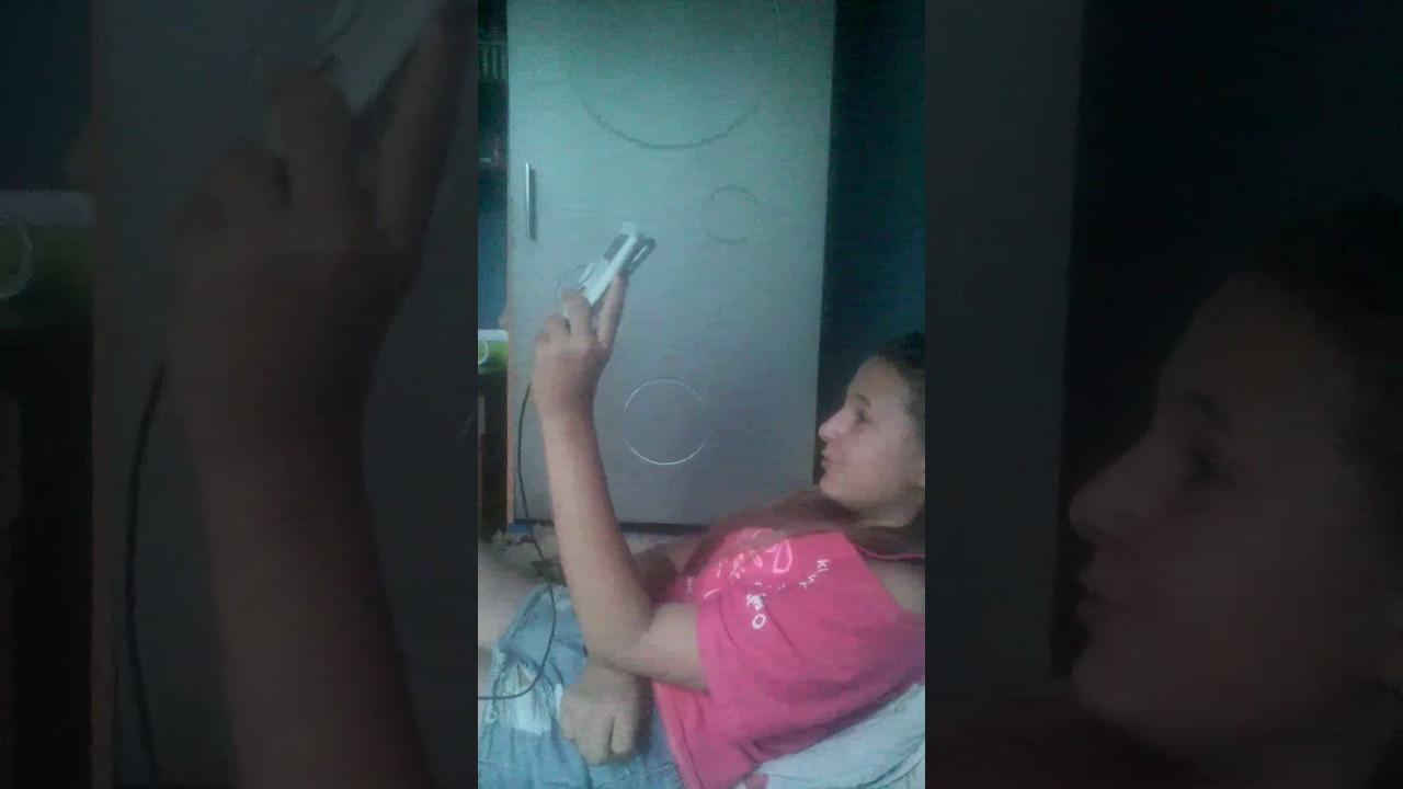 как брат установил скрытую камеру у сестры в комнате