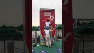 유니버셜오사카 대형자판기 예쁜일본 여자들의 이용법