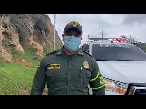 Vía panamericana continúa cerrada por deslizamiento que se presentó desde el día anterior