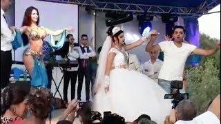 Устроили танцы на цыганской свадьбе