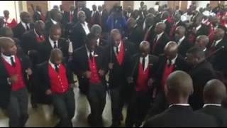 """Gambar cover #UMCOSA singing """"Mabakudumise abantu"""""""