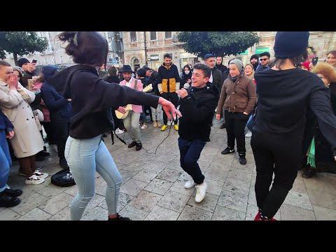 მოხეტიალე ქუჩის მუსიკოსების ცეცხლოვანი აჭარული ♥🔥 Georgia / Street Performance (Music & Dance)