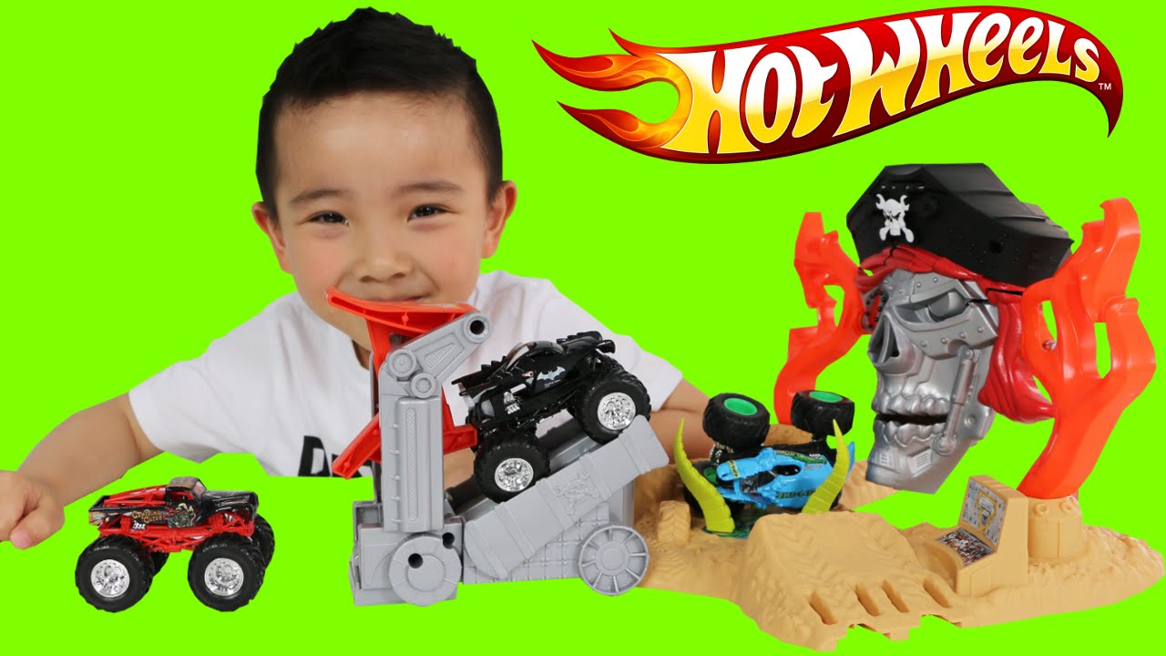 Hot Wheels Monster Jam Pirate Takedown Playset Unboxing And Playing With Ckn Toys Youtube
