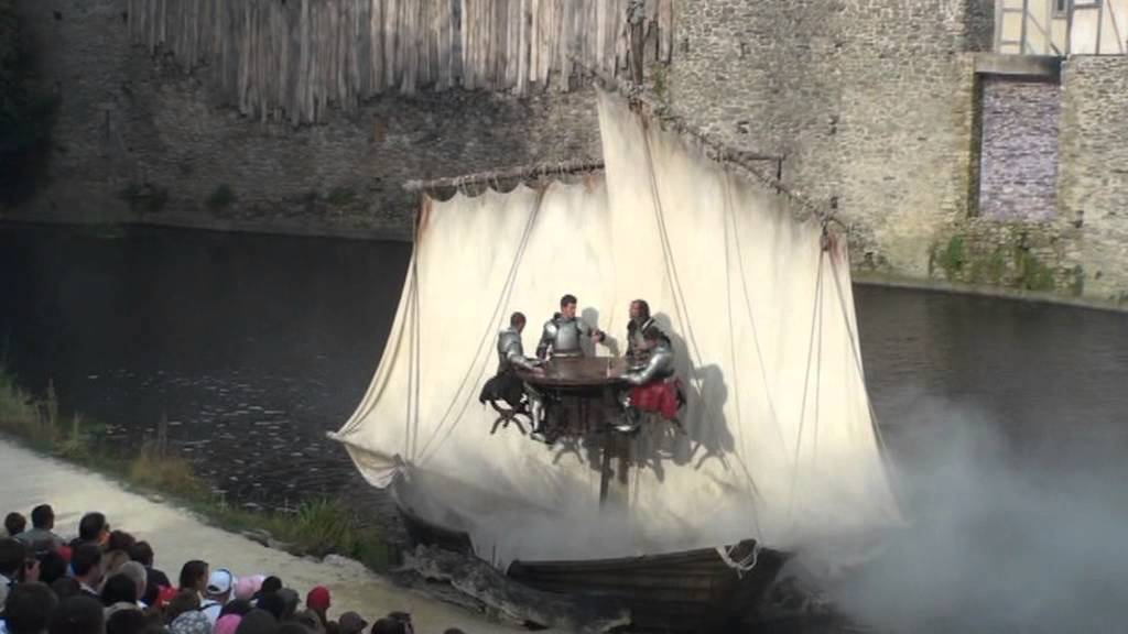 Les Chevaliers De La Table Ronde Extraits Du Spectacle Puy Du Fou 2013 Youtube