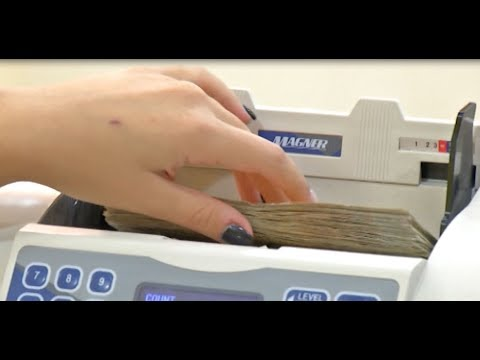 Ora News - Paratë Dalin Jashtë Bankave