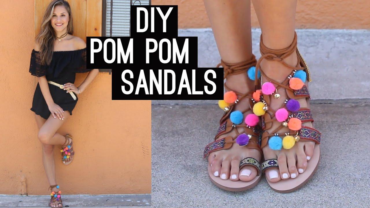 5019f27a16467 Oživte svoje sandáliky: VIDEOnávod, ako si vyrobiť gladiátorky s brmbolcami  | Emma.sk