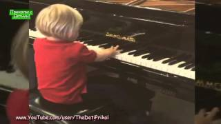 Дочь Тимати играет на пианино! Приколы с Детьми! Funny Kids!