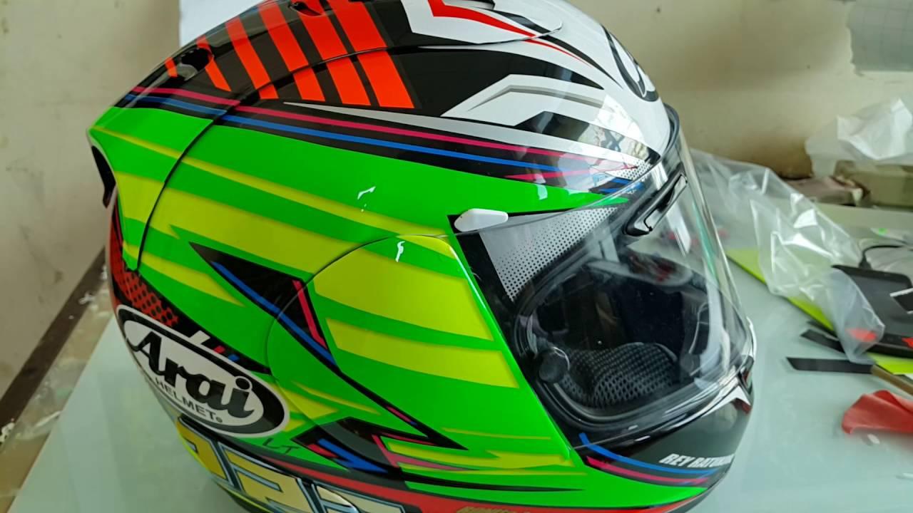 Hasil gambar untuk helm arai