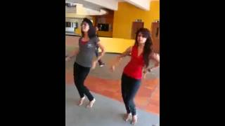 Indian girls belly dance-so cute