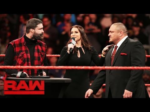 Samoa Joe signs his Raw contract: Raw, Feb. 6, 2017