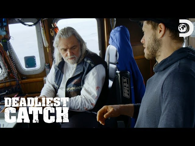 Wild Bill's Deckhand Crushes His Hand | Deadliest Catch