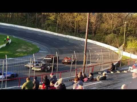 Street Stock Consi Mahoning  Valley Speedway 4/27/19