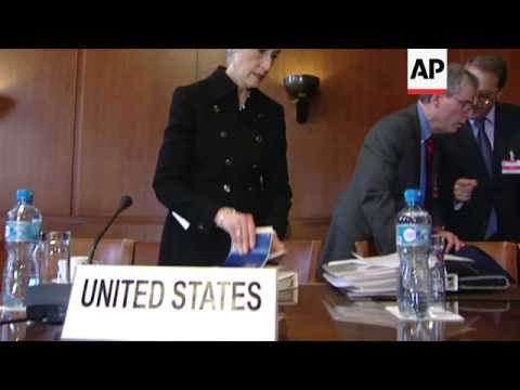 Roundtable of delegates at Syria talks led by UN envoy Brahimi