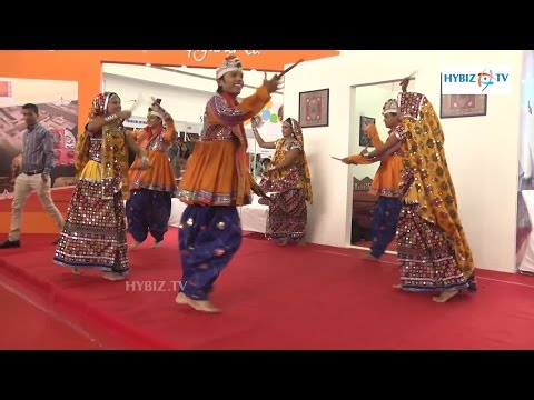 Dandiya Dance - Gujarati Garba Traditional Folk Dance - Hybiz.tv