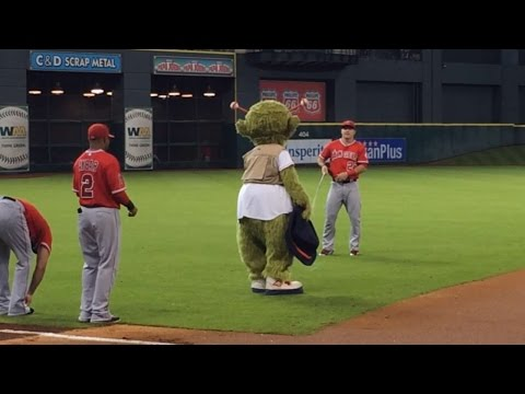 Orbit goes fishing for Mike Trout