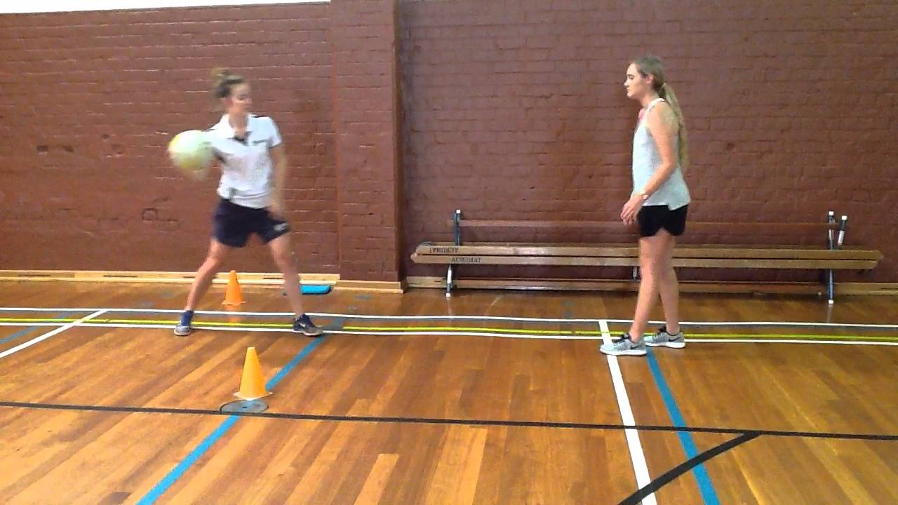 Netball bounce pass - YouTube
