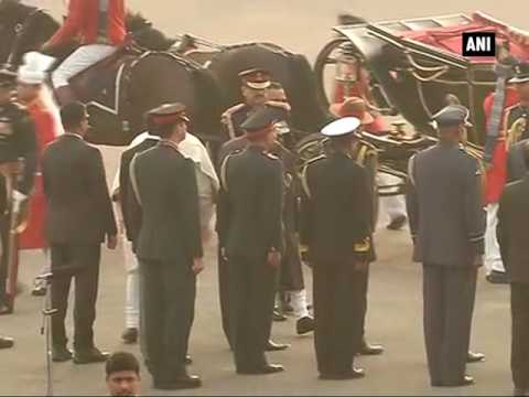 Watch: Pranab Mukherjee arrives in traditional 'baggi' for Beating The Retreat ceremony