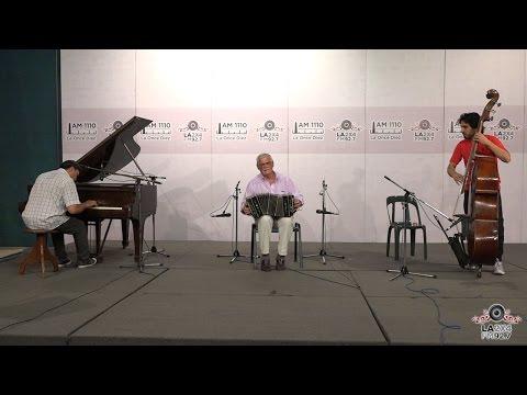 """<h3 class=""""list-group-item-title"""">Claudio Tejo trío interpretó """"Loca"""" en """"Tan Gomías""""</h3>"""
