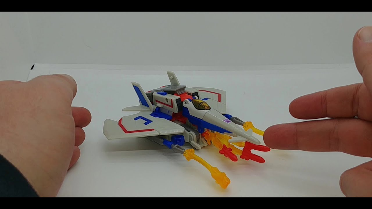 Chuck's Reviews Transformers Cyberverse Deluxe Class Starscream