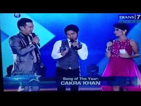 Selebrita in action song of the year Harus Terpisah - Cakra