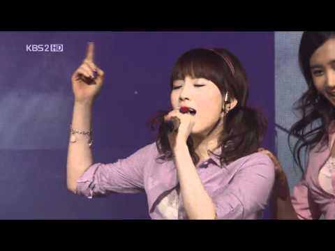 SNSD 少女時代 ♥ Come On Over Baby +  Kissing You Live  HD
