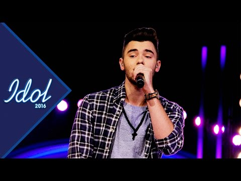 Adrian Jonasson framför Let Me Love You i Idol 2016 - Idol Sverige (TV4)