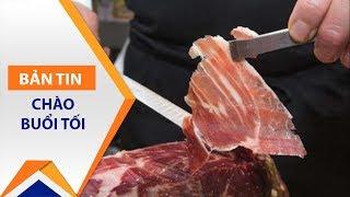 Thịt lợn 3,5 triệu đồng/kg: Tranh nhau mua | VTC1