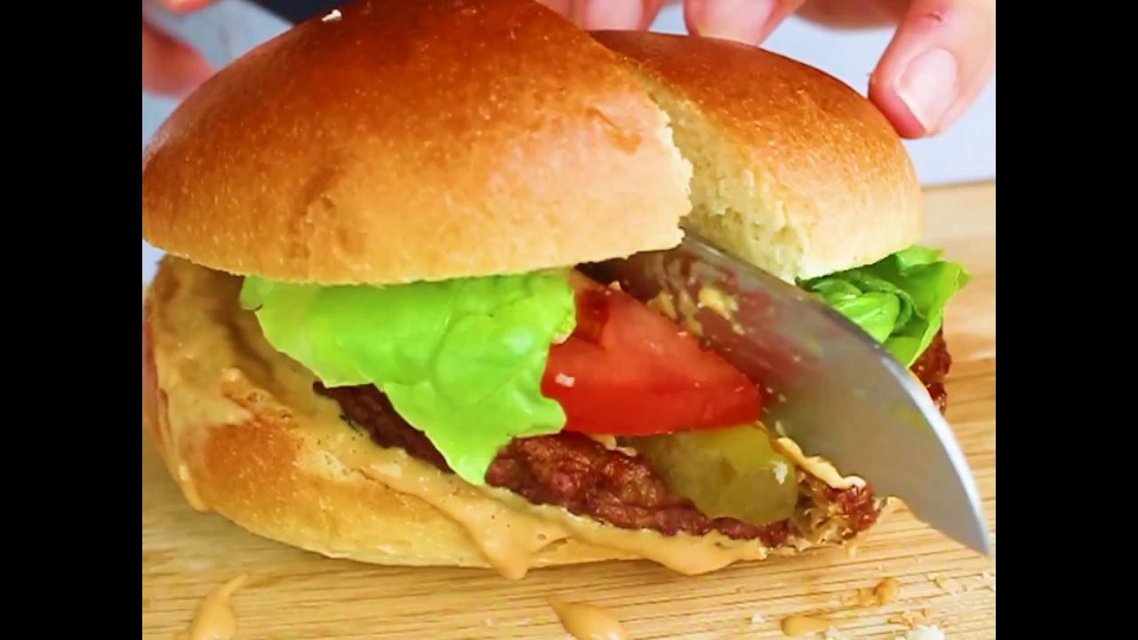 Vegetarisch Burger met cheddar - YouTube