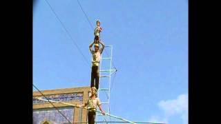 Uzbekistan - tightrope walker in Bukkara - Funamboli