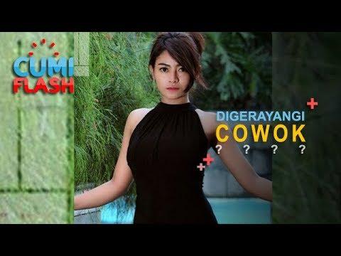 Lagi Renang, Vitalia Sehsa Digerayangi Cowok dari Belakang - CumiFlash 20 November 2018