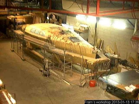 Webcam timelapse of the building of a F39 Trimaran
