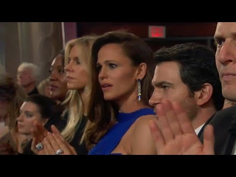 Jennifer Garner Pokes Fun at Her Own Oscars Meme!