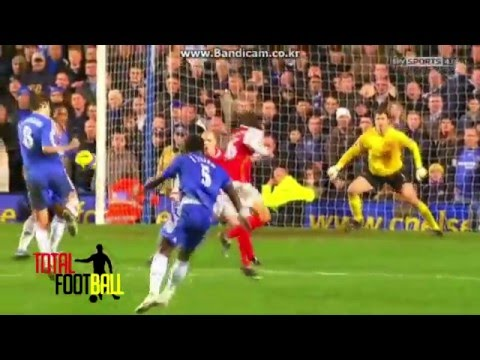 The best goal By Michael Essien