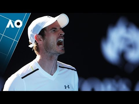 Murray hits himself in the face | Australian Open 2017