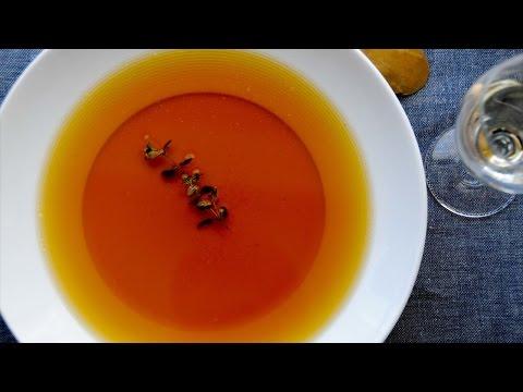 Clique e veja o vídeo Receita Sopas e Cremes - Consommé