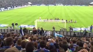 Schalke vs Hertha Ralf Fährmann in der Nordkurve