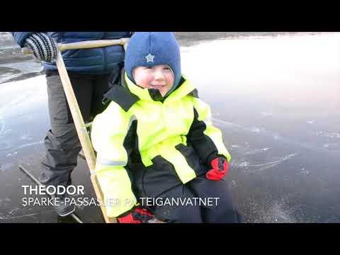Vindu gjennom isen på Teiganvatnet