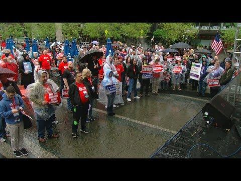 Atheist Convention Gathers In Cincinnati As Christians Pray On Good Friday