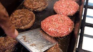 Making Burgers in the Lodge Fish Pan (4K)