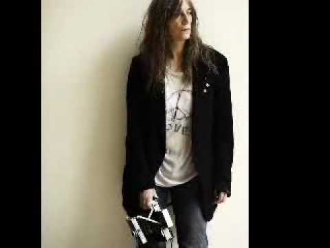 Patti Smith When Doves Cry