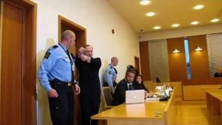 Norway gunman asks court for 'immediate release'