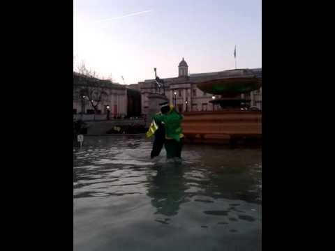 Leprechaun drowns in Trafalgar square