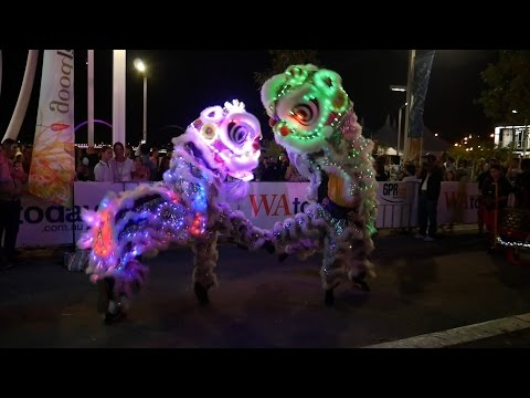 Human Mobile Stage 92B, 2015 Chau Lung Banquet, 2015 周龍寶誕, Lion Dance Kung Fu from YouTube · Duration:  28 minutes 14 seconds