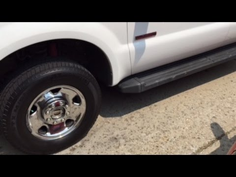 How to change the fuel filters in a F250 60 L diesel engine - YouTube