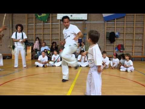 5 year old capoeira