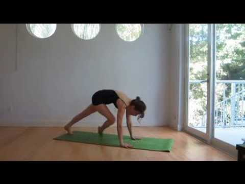 Portable Yoga: 28' Dynamic Yoga Sequence With Short Inversio